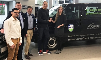 Foto der News Autohaus Mense stiftet Transporter für die FCG-Jugend