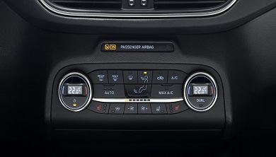 Komfortpaket (elektr. Klimaanlage, Ford KeyFree, Regensensor)