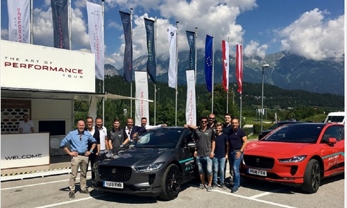 Foto der News Jaguar und Land Rover elektrisierten Tirol