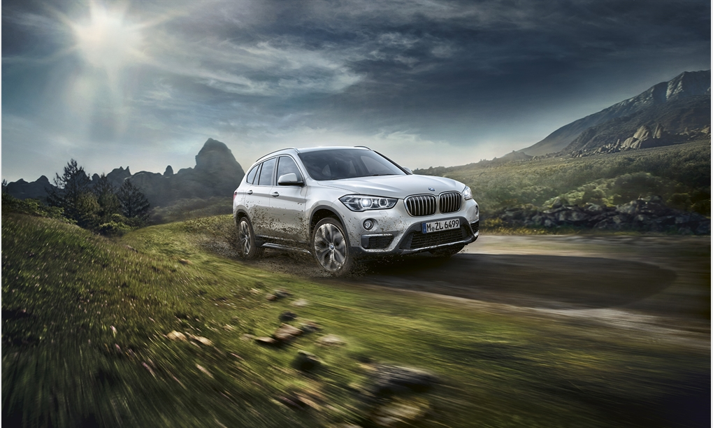 DER BMW X1.