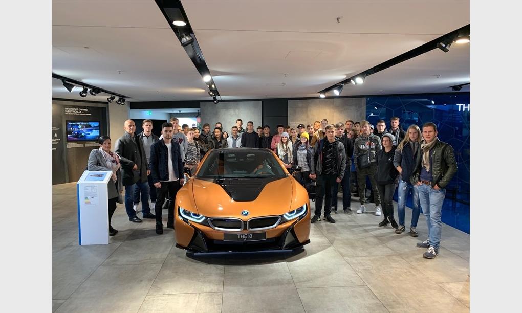 Unterberger Automobile stellt 40 neue Lehrlinge ein