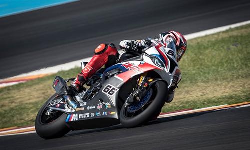 Foto der News VBMW Motorrad WorldSBK Team bereit für das Flutlicht-Finale in Katar.