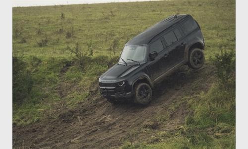 Foto der News Der neue Land Rover Defender im neuen James Bond Kinohit