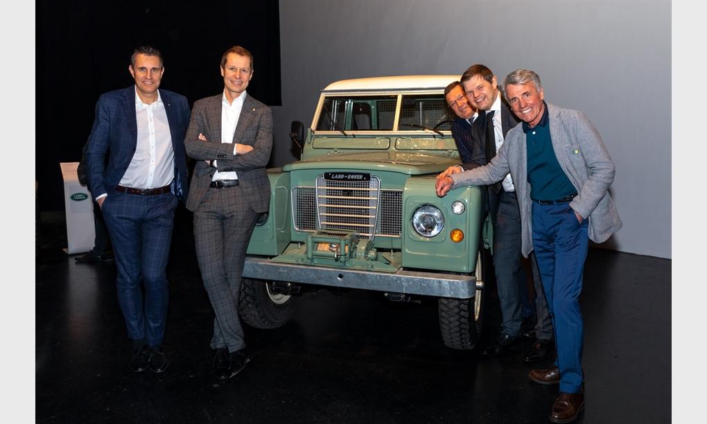 Präsentation des neuen Land Rover Defender im Salzlager in Hall