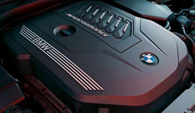 BMW TwinPower Turbo 4-Zylinder Benzinmotor.