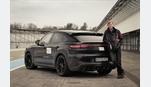 Foto der News Walter Röhrl testet neues Performance-Modell der Cayenne-Baureihe