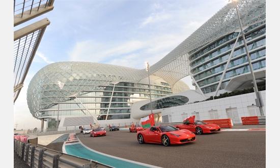 Bild der News Finali Mondiali: Über 200 Wagen aus Maranello auf der Yas Marina Rennstrecke