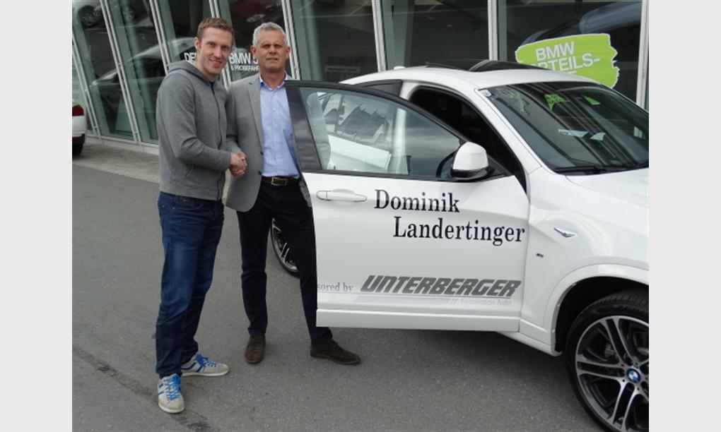 Autoübergabe an Biathlet Dominik Landertinger