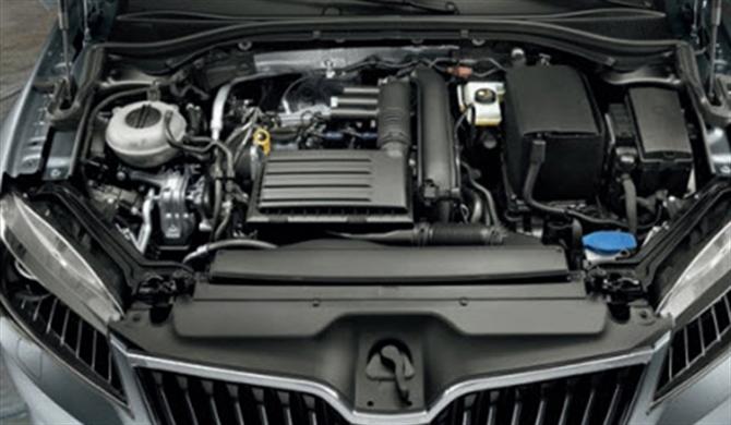 Motoren und Getriebe.
